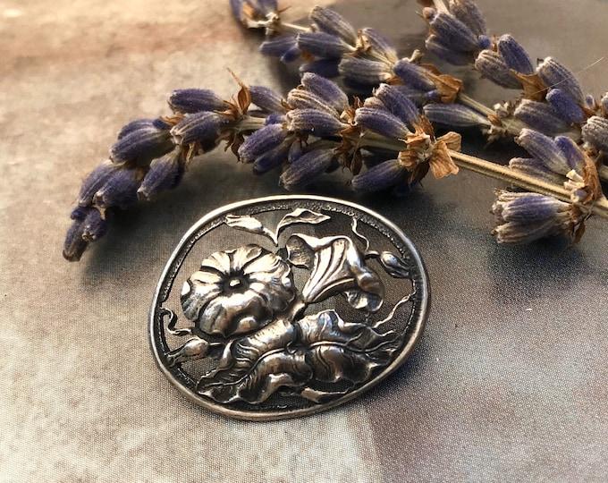 Art Nouveau Silver Button with Pierced Flower Decoration