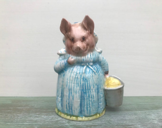 Beatrix Potter Beswick Pig Figurine, Vintage Aunt Pettitoes Ornament from The Tale of Pigling Bland