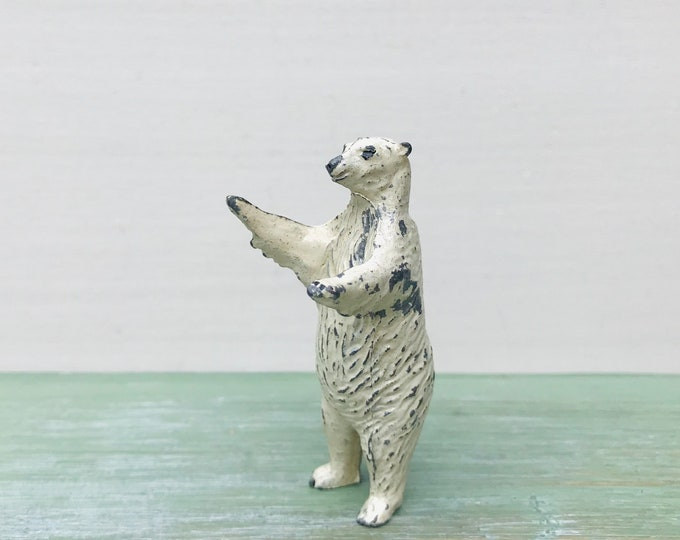 Britains  Lead Wild Animal Zoo Figure, Miniature Polar Bear 967