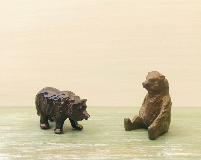 Britain's Miniature Lead Zoo Animals, Hollow-Cast Lead Bear Cubs 936