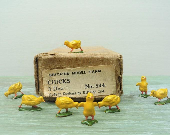 Britain's Tiny Lead Chicks 544, Miniature Vintage Farm Chicken Figures