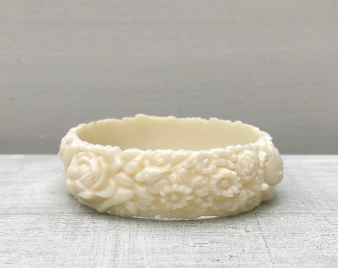 Vintage Celluloid Cream White Bangle,  Floral Japanese Bracelet