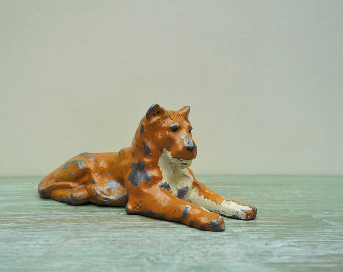 Vintage Britains Lead Lion, Zoo Series Miniature Lioness Reclining 911