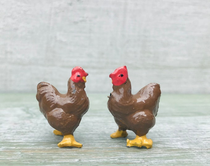 Vintage Britains Miniature Chickens, Brown Fowl 518 Lead Farm