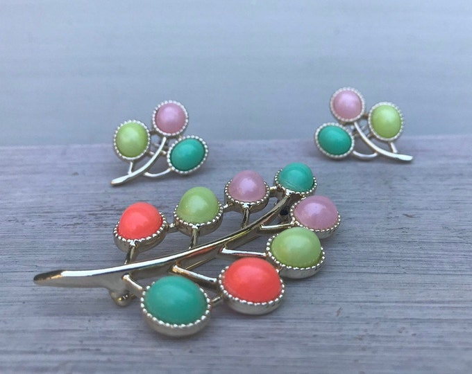 Sarah Coventry Candyland Brooch & Clip On Earrings, Pastel Colours
