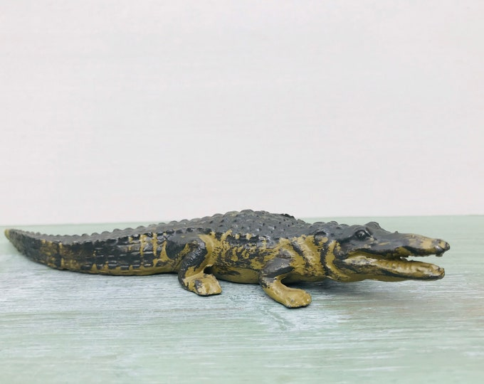 Vintage Britains Miniature Lead Young Crocodile, Model Zoo Series 958