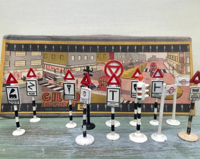 Gilco Road Traffic Signs, British Miniature Street Furniture Box Set 3