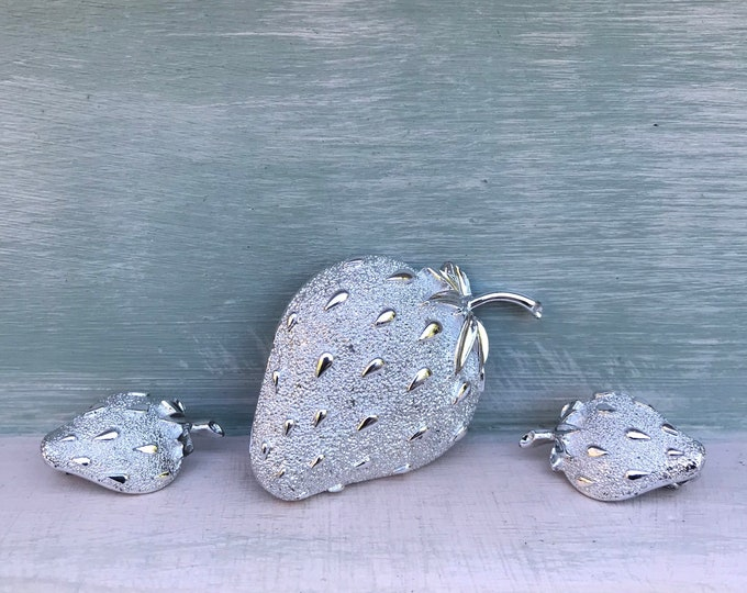 Sarah Coventry Strawberry Ice Brooch & Clip On Earrings, Silver Toned
