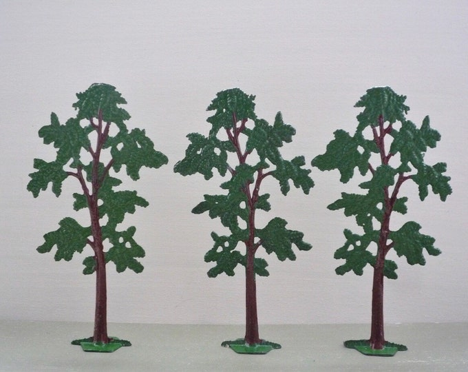 Miniature Lead Tree made in England by Benbros Ltd in the 1950s