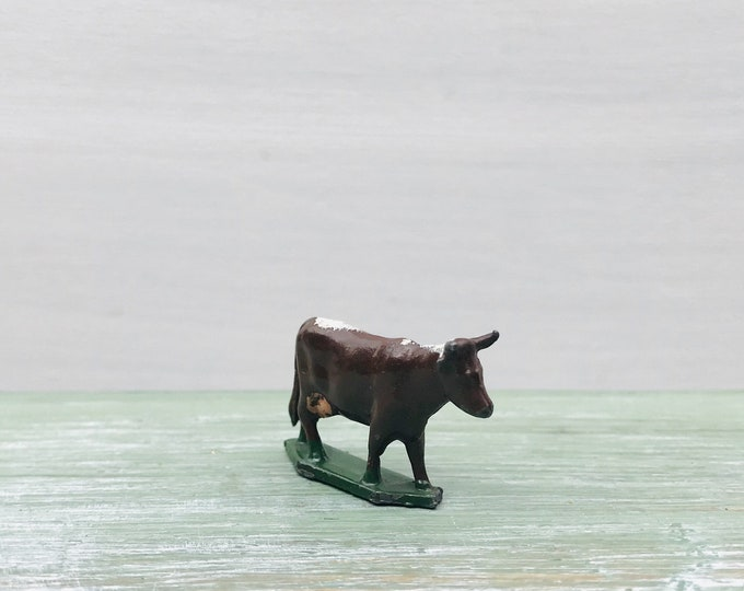 Vintage Britains Era Miniature Lead Cow, Model Farm Animal Figure