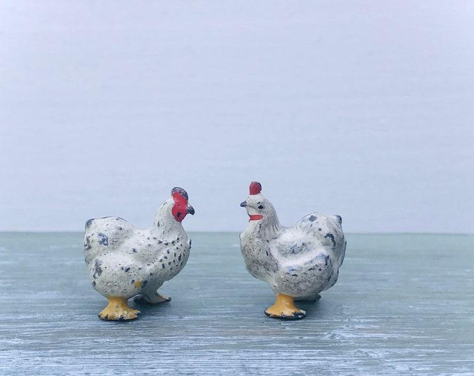 Vintage Miniature Lead Farm Chickens, Britains White & Yellow Fowl 518