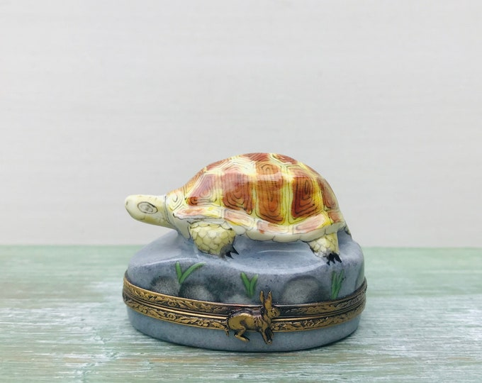 Limoges France Peint Main Porcelain Trinket Box Tortoise & Hare, 1997
