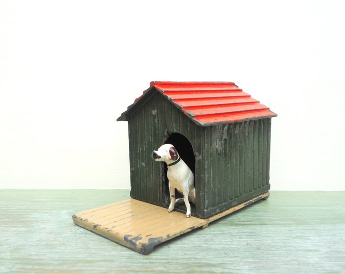 Britains Pre War Lead Farm Dog Kennel & Baseboard 570 572, Miniatures