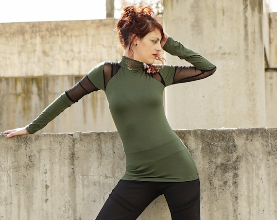 Green and back turtle neck top. Winter green top. Green mesh top. Elegant top. Extravagant turtle neck top. Punk. Long sleeve sweater