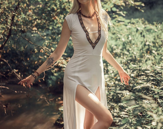 Boho maxi dress. Boho mermaid dress. Maxi dress. Deep V dress. Summer long dress. Festival dress. Wedding dress. Medieval dress. Bohemian