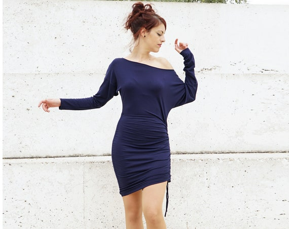 Bat sleeve winter dress. Long sleeve dress. Oversize dress. Navy blue dress. Convertible dress. Winter blue dress. Casual dress. Day dress.
