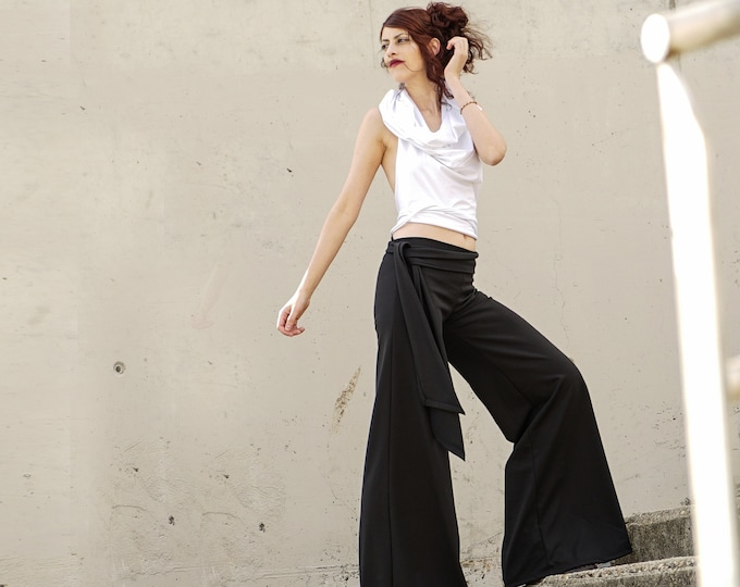 Palazzo Pants with belt. Maxi wide-leg pants. Black wide-leg pants. Long trousers. Black flares bottoms. Minimalist pants. Winter pants.