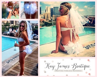 Bridal Booty Veil - The bikini veil clips to any swimsuit or skirt.  Add some fun to your bum Hen Party Stagette