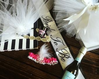 Bachelorette Gift Party Set:   Boho Head and  Bachelorette Veil and Booty Veil Hen party stagette set
