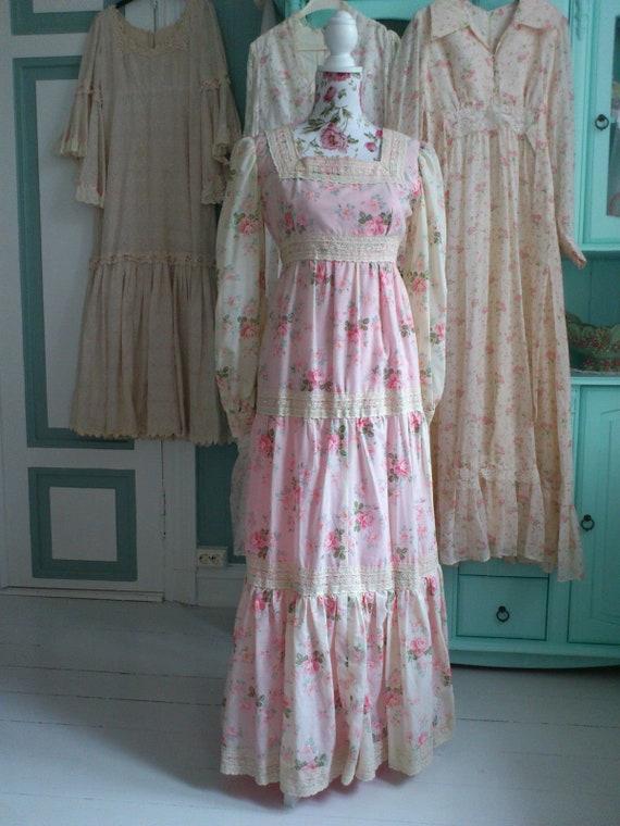 9545e82a6d Beautiful handmade Vintage Romantic maxi Dress 70s Gunne Sax