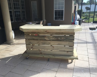 Elyse - 6' Pallet style outdoor or indoor patio bar