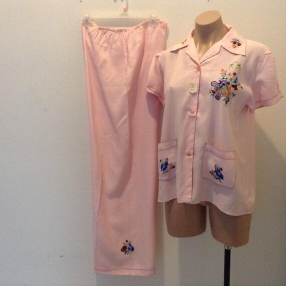 Vintage 1940s Beach Pajamas Embroidered Silky Holl