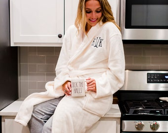 Monogrammed Ladies Plush Robe  9ce10c063