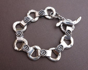 Sterling Link Bracelet with Spirals for Change/7.75 inches/great gift!