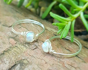Moonstone ring, 925 Sterling Silver ring, Rainbow Moonstone ring, Crystal Ring, Dainty Minimalist, New beginnings, June birthstone, gift