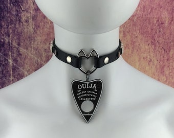 Heart ring choker genuine leather - choker collar black leather silver heart ring with ears choker with black and white Ouija charm