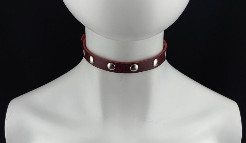 Delicate choker genuine leather Small fashion choker collar red leather with big silver rivets
