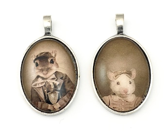 2 Mr and Mrs mouse pendant with glass cabochon ,19mm x 35mm,PEN 016