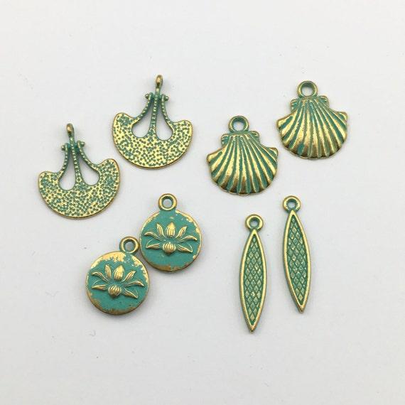 10 Verdigris Patina Open Heart Flower Shape Charms Pendant Jewelry Findings 32mm