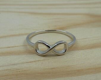 Infinite Ring in Sterling Silver