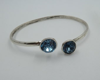 Solid silver bath Zamak adjustable Bangle, decorated with two Swarovski Elements Chaton Xilion