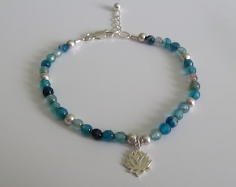 4 mm faceted agate bracelet in blue shades with chain and sterling silver Pendant