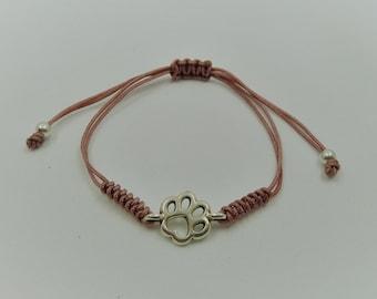 Solidarity Bracelet Feathered Footprint ? Zamak and macramé