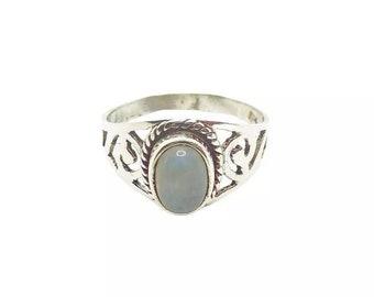 Narayani Ring Moonstone | Ssread Silver
