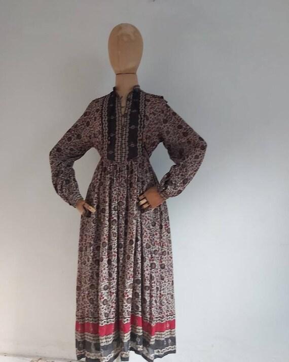 Vintage 70's Phool  Indian cotton paisley floral p
