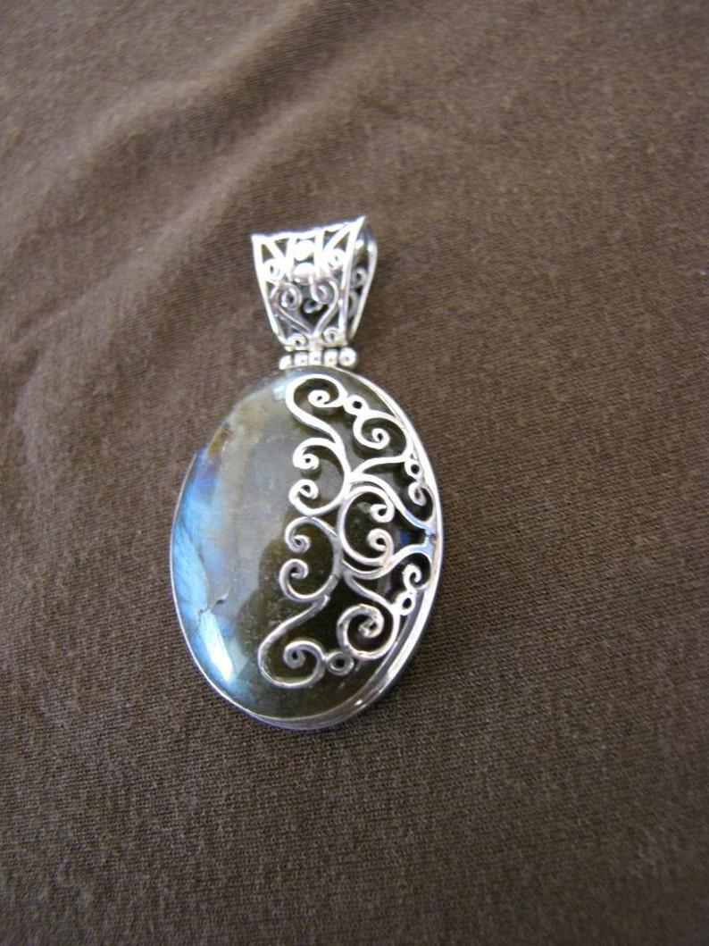 Oval Sterling Silver Spirals Labradorite Pendant
