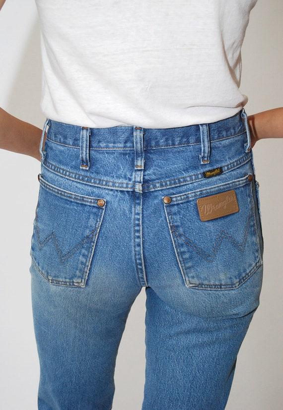 Slim Fit Wranglers (26) vintage 90s dark blue jean