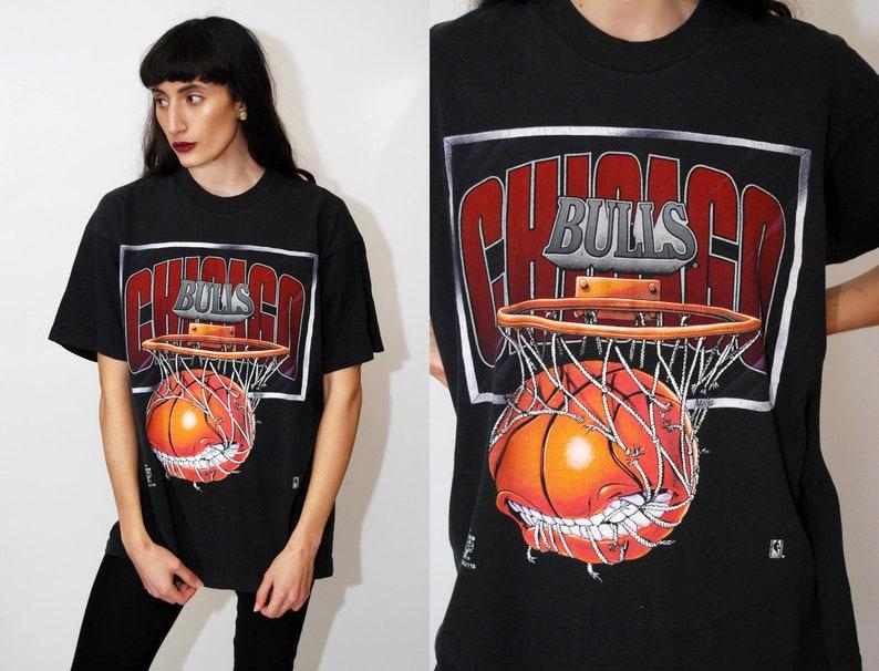 d64f84403b97d2 CHICAGO BULLS T-SHIRT L vintage 90s basketball nba michael