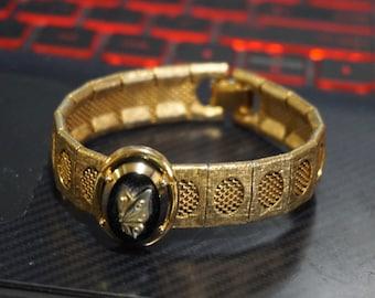 Vintage Mesh Bracelet Black Glass Rosette Cameo