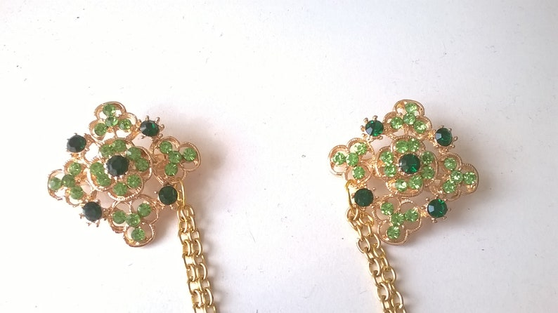 Cardigan Chain Green and Gold Sweater Guard Vintage style Costume Jewelry Square Brooches