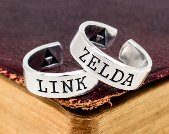 Link and Zelda Couples Ring Set - Valentines Day Gift