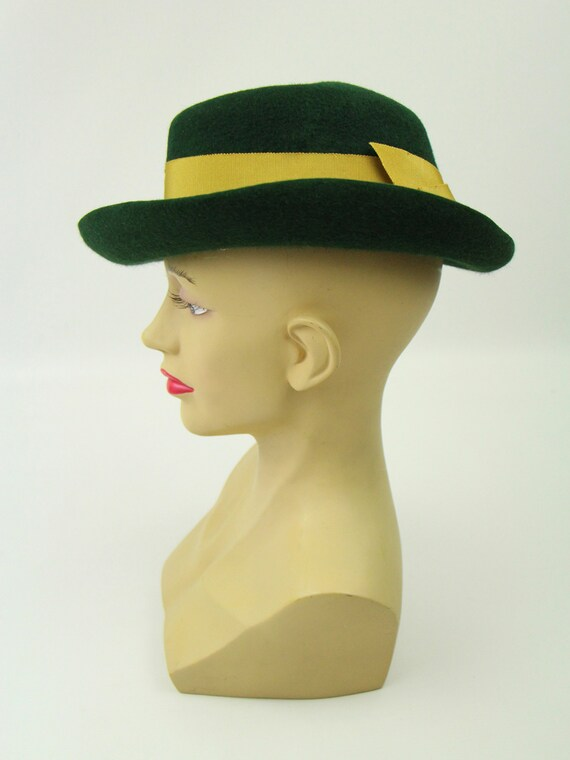 Vintage 1940s Forties Deep Green Vintage Hat Gold… - image 4