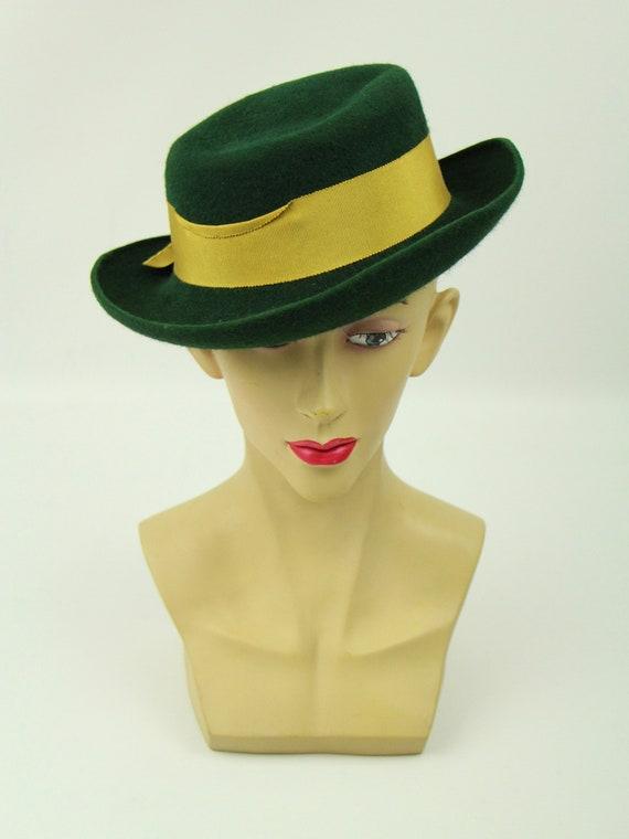 Vintage 1940s Forties Deep Green Vintage Hat Gold… - image 2