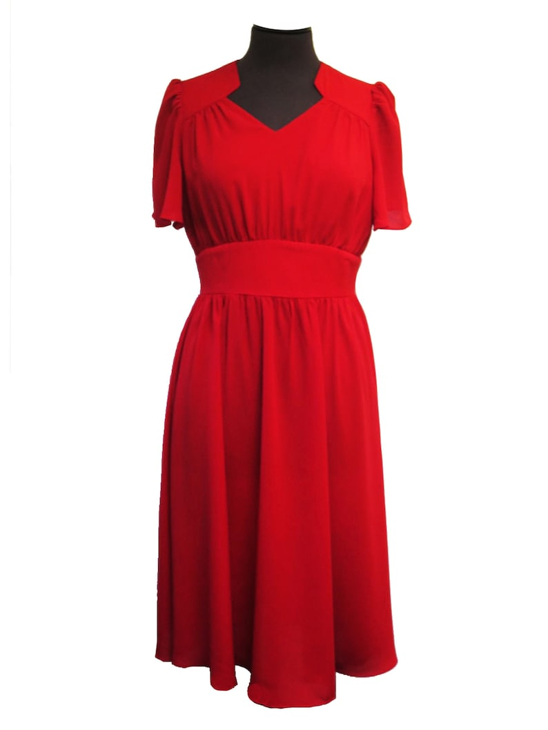 1940s Dresses | 40s Dress, Swing Dress Socialite Replica 1940s Vintage Style Pepper Red Starlet Dress $77.98 AT vintagedancer.com