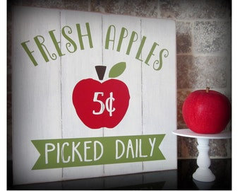 Fresh Apples Picked Daily, Apple Sign, Farmhouse Sign, Kitchen Sign, Vintage Sign, Home Sign, Apple Decor, Farm style, Rustic Sign, Mom Gift