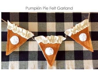 Pumpkin Pie Felt Garland, Pumpkin Pie Decor, Fall Decor, Thanksgiving Pie Decor, Felt Pies, Holiday Garland, Pumpkin Pie with Whip Cream